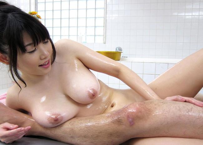 【おっぱい】男の天国ソープランド!泡姫たちのエロいおっぱい画像!【30枚】 10