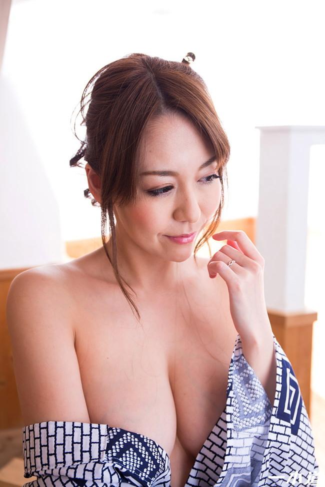 【おっぱい】妖艶で色っぽい和服美人のエロいおっぱい画像!【30枚】 03