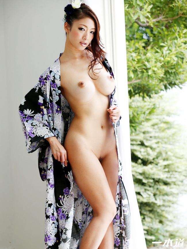 【おっぱい】妖艶で色っぽい和服美人のエロいおっぱい画像!【30枚】 24