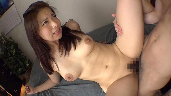 【おっぱい】ポッチャリ体型の女の子のエロすぎるおっぱい画像!【30枚】 14