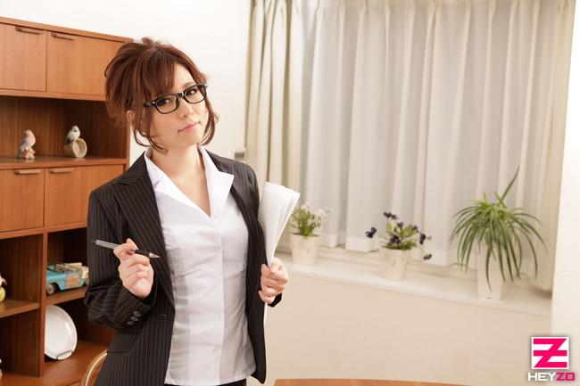【おっぱい】女性家庭教師のエロすぎるおっぱい画像【30枚】 08