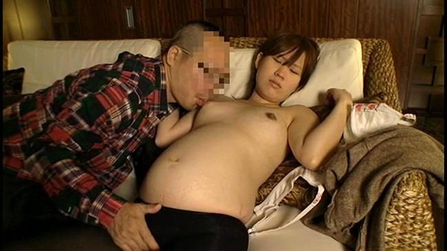 【おっぱい】お腹が大きくなった妊婦さんのエロすぎるおっぱい画像【30枚】 12