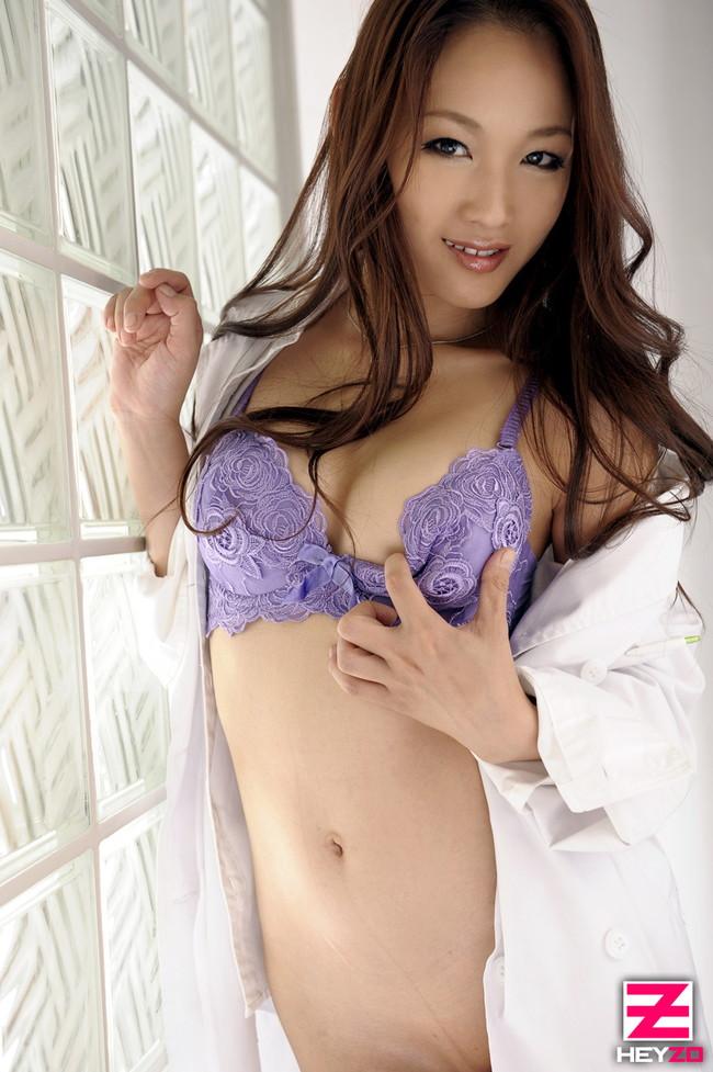 【おっぱい】綺麗でイケてる女医さんたちのエロすぎるおっぱい画像【30枚】 05