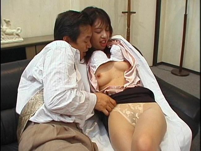 【おっぱい】綺麗でイケてる女医さんたちのエロすぎるおっぱい画像【30枚】 21