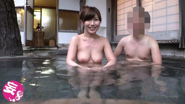 【おっぱい】温泉に入っている女の子たちのおっぱい画像がエロすぎる!【30枚】 23
