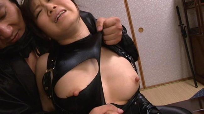 【おっぱい】女忍者のくノ一の隠れていないエロすぎるおっぱい画像!【30枚】 26