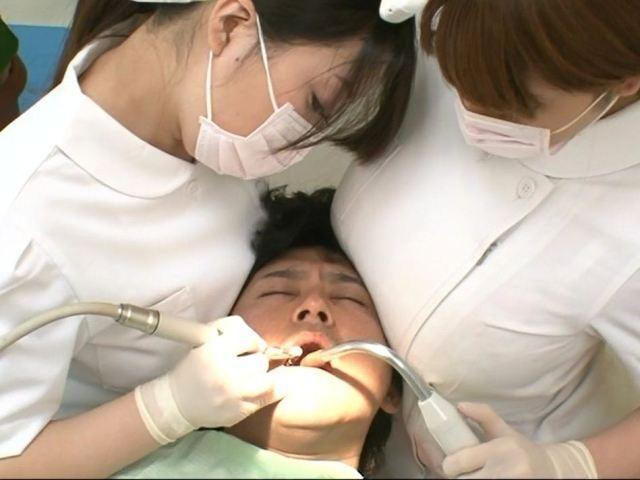【おっぱい】可愛くていやらしい歯科助手さんたちのエロすぎるおっぱい画像!【30枚】 30
