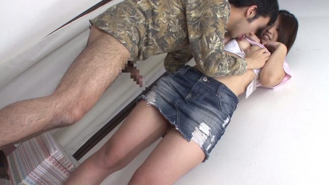 【おっぱい】試着室で手直しするはずがそのままエッチなことになっちゃている女の子のおっぱい画像がエロすぎる!【30枚】 04