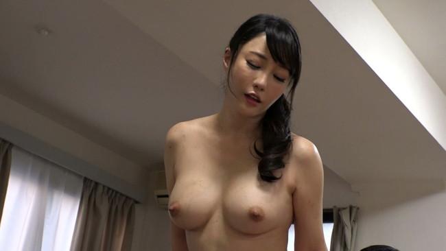 【おっぱい】突撃!隣の美人妻!お昼間から激しいセックスをしてしまう女性のおっぱい画像がエロすぎる!【30枚】 18