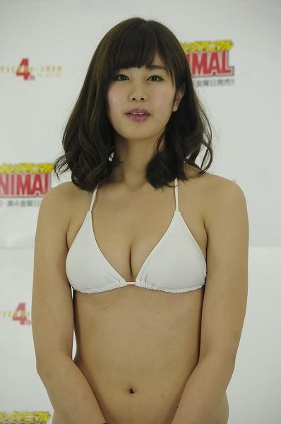 【おっぱい】CMで神スイングと言われて爆発的な人気者となった稲村亜美ちゃんのおっぱい画像がエロすぎる!【30枚】 25