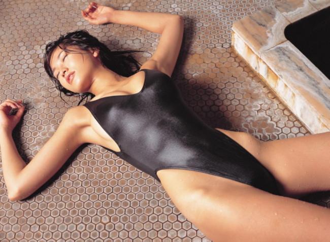 【おっぱい】体型がスレンダー!ハイレグ水着がとても似合っているような女の子のおっぱい画像がエロすぎる!【30枚】 11