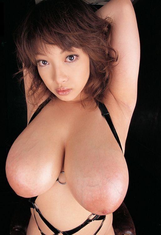 【おっぱい】思わず手を出したくなるような垂れ下がっているおっぱいの女の子の垂れ乳画像がエロすぎる!【30枚】 25
