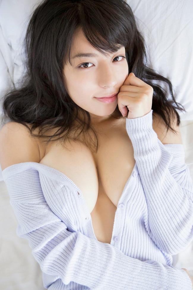 【おっぱい】Fカップの巨乳とパーフェクトスタイルを持ち合わせているグラビアアイドル・小瀬田麻由ちゃんのおっぱい画像がエロすぎる!【30枚】 05