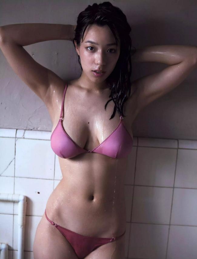 【おっぱい】Fカップの巨乳とパーフェクトスタイルを持ち合わせているグラビアアイドル・小瀬田麻由ちゃんのおっぱい画像がエロすぎる!【30枚】 06
