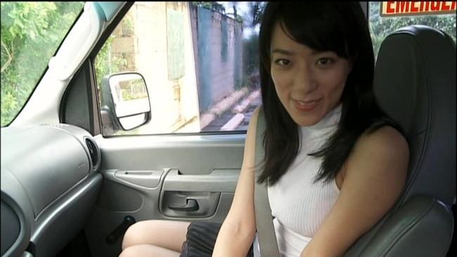 【おっぱい】Fカップの巨乳とパーフェクトスタイルを持ち合わせているグラビアアイドル・小瀬田麻由ちゃんのおっぱい画像がエロすぎる!【30枚】 14