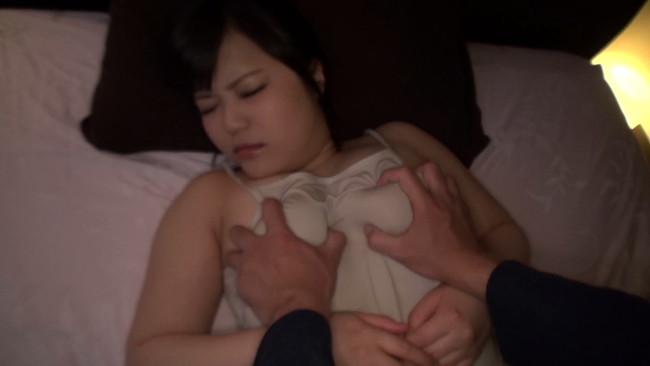【おっぱい】セックスする時でもおっぱいの大きさが一番!爆乳ちゃんな女の子のおっぱい画像がエロすぎる!【30枚】 29