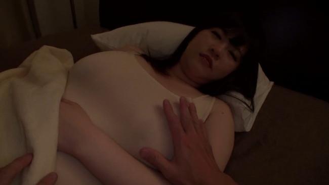 【おっぱい】セックスする時でもおっぱいの大きさが一番!爆乳ちゃんな女の子のおっぱい画像がエロすぎる!【30枚】 30