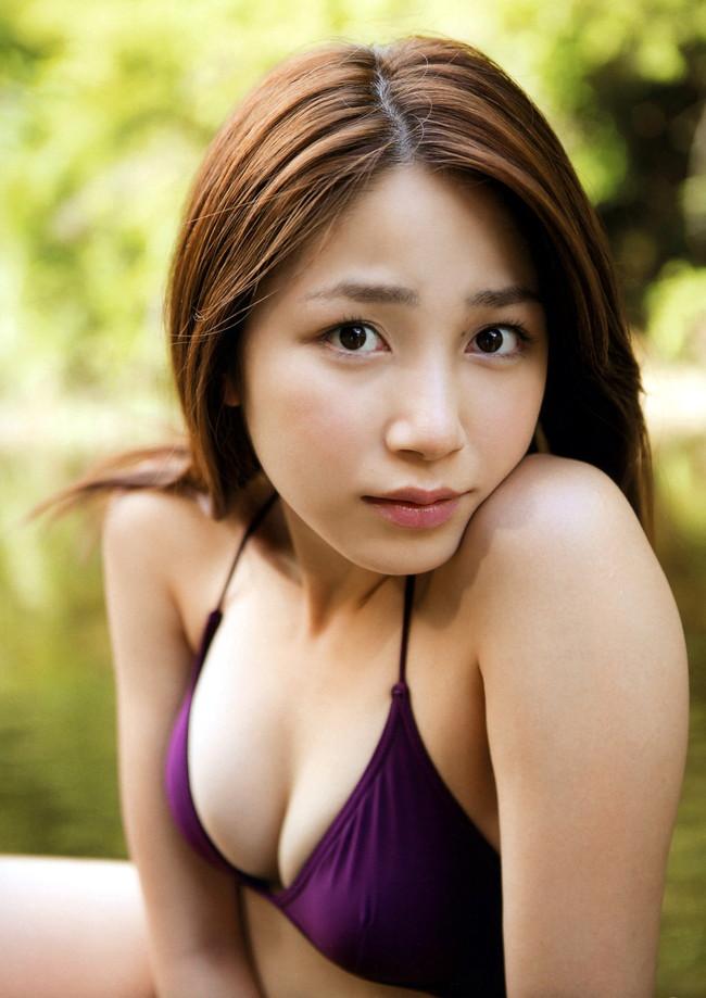【おっぱい】わがままボディとEカップ巨乳を見せつけてくれている、吉川友ちゃんのおっぱい画像がエロすぎる!【30枚】 01