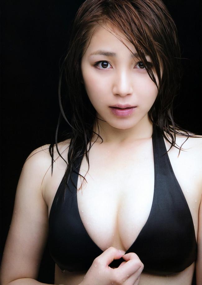 【おっぱい】わがままボディとEカップ巨乳を見せつけてくれている、吉川友ちゃんのおっぱい画像がエロすぎる!【30枚】 17