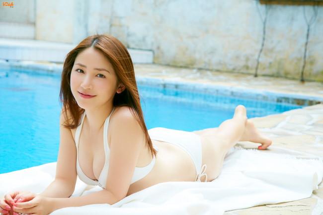 【おっぱい】わがままボディとEカップ巨乳を見せつけてくれている、吉川友ちゃんのおっぱい画像がエロすぎる!【30枚】 20