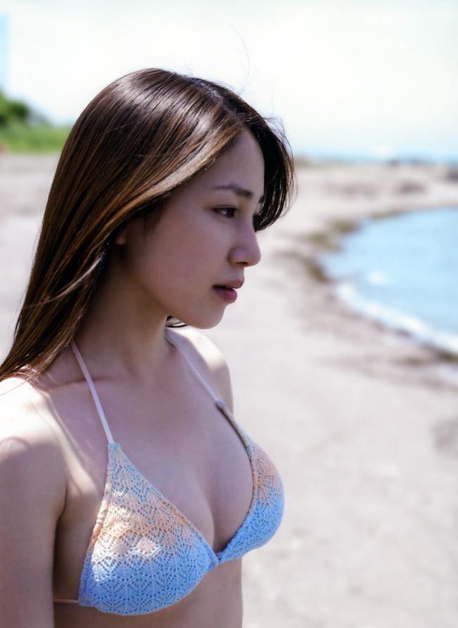 【おっぱい】わがままボディとEカップ巨乳を見せつけてくれている、吉川友ちゃんのおっぱい画像がエロすぎる!【30枚】 27