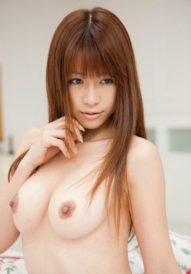【おっぱい】風になびくロングヘアーが素敵で全裸になっているような女の子のおっぱい画像がエロすぎる!【30枚】 06