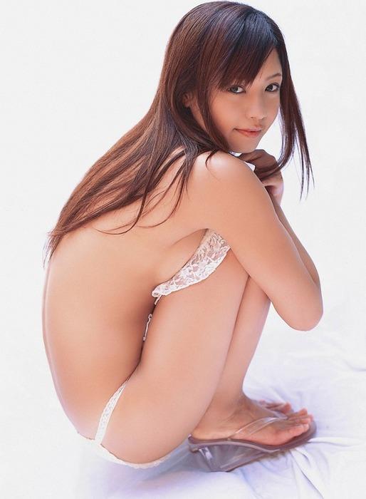 【おっぱい】風になびくロングヘアーが素敵で全裸になっているような女の子のおっぱい画像がエロすぎる!【30枚】 22