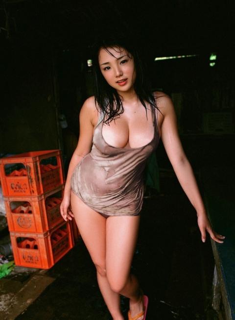 【おっぱい】ひときわ輝く汗をかいている女の子のおっぱい画像がエロすぎる【30枚】 01
