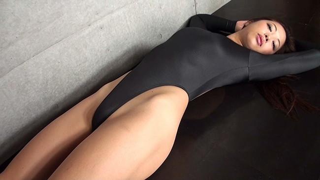 【おっぱい】引き締まった肉体を見せつける!マッスル系グラビアアイドルのあおい夏海ちゃんの画像がエロすぎる!【30枚】 14