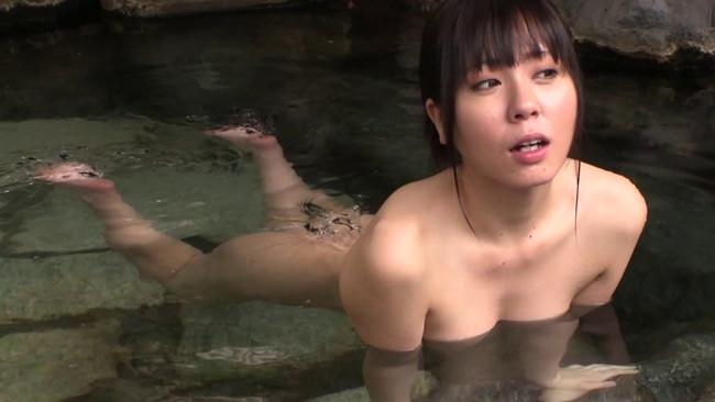 【おっぱい】温泉の湯煙の中で色っぽく美しく輝いている女性のおっぱい画像がエロすぎる!【30枚】 27