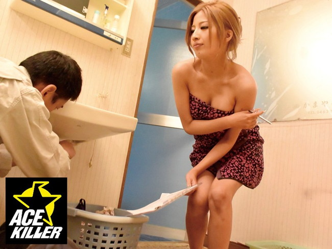 【おっぱい】お風呂のバスタオルで体を包む女の人のおっぱい画像がエロすぎる【30枚】 10