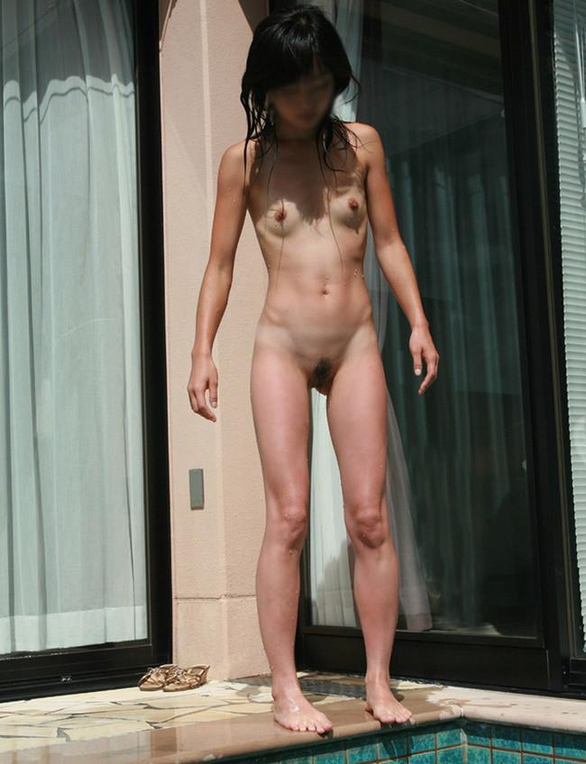 【おっぱい】プールの中からマーメイド!全裸姿が太陽のように眩しい女の子のおっぱい画像がエロすぎる!【30枚】 11