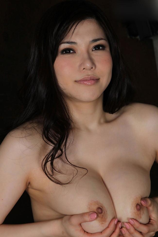 【おっぱい】Kカップの爆乳でおっぱい好きを魅了している、沖田杏梨ちゃんの大きなおっぱい画像がエロすぎる!【30枚】 17