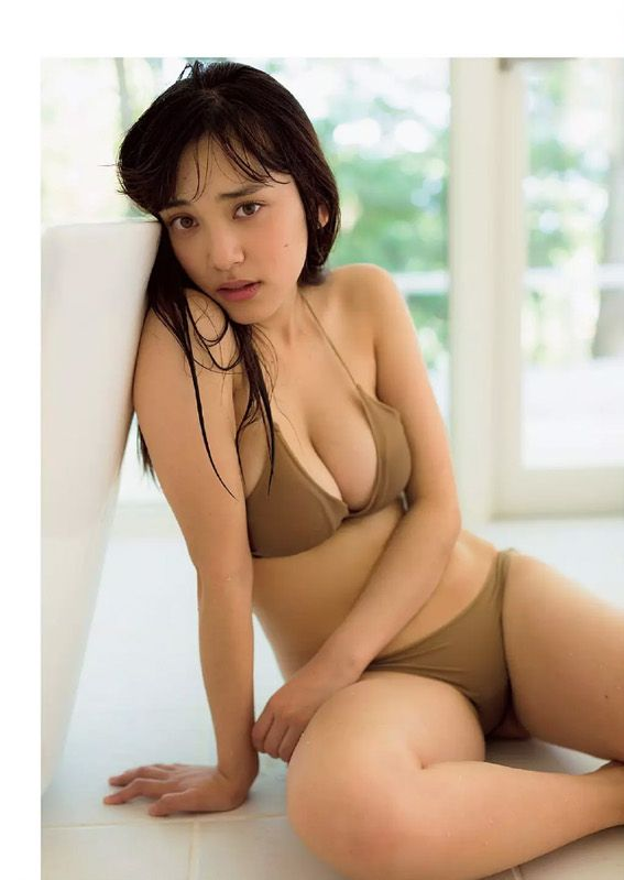【おっぱい】いろいろな方面で活躍しているFカップのグラビアアイドル・都丸紗也華ちゃんの大きなおっぱい画像がエロすぎる!【30枚】 30