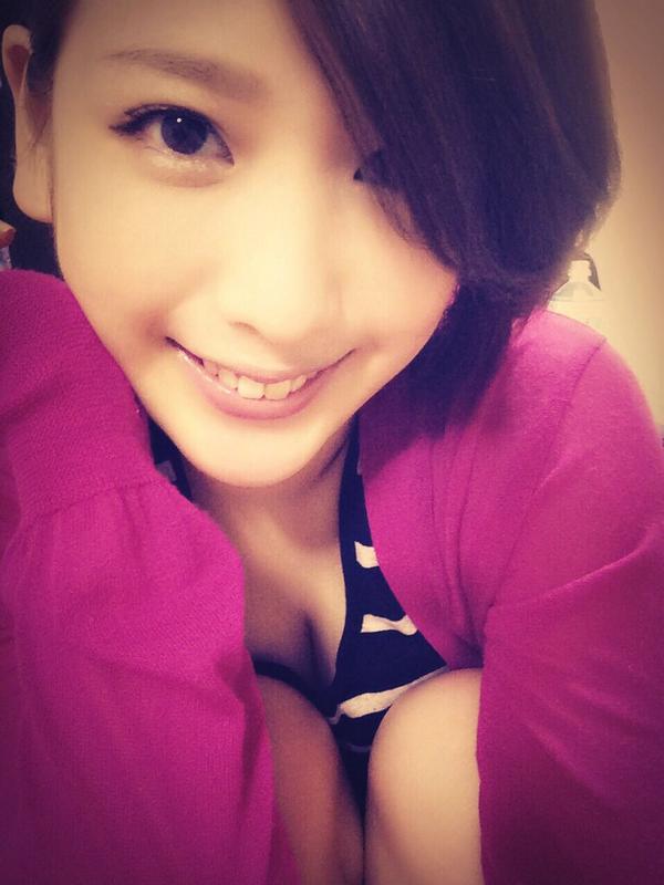 【おっぱい】大胆発言で大注目を浴びているグラビアアイドルの夏目花実ちゃんのおっぱい画像がエロすぎる!【30枚】 28
