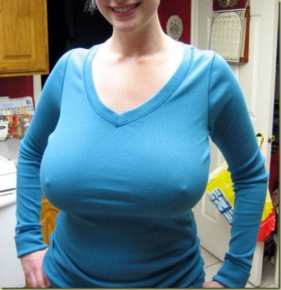 【おっぱい】服の下はノーブラ?!乳首ポッチが気になっちゃうような女の子のおっぱい画像がエロすぎる!【30枚】 25