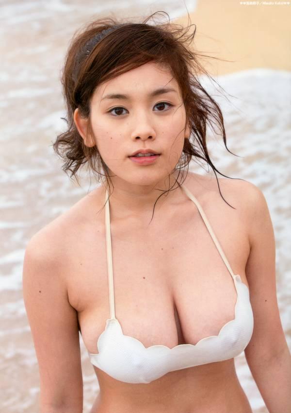【おっぱい】服の下はノーブラ?!乳首ポッチが気になっちゃうような女の子のおっぱい画像がエロすぎる!【30枚】 27