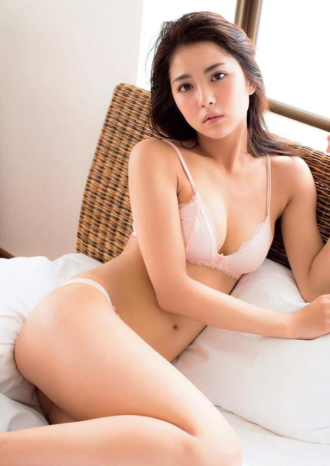 【おっぱい】ビリギャルの表紙モデルで一躍話題になったナイスプロポーションの石川恋ちゃんの画像がエロすぎる!【30枚】 17