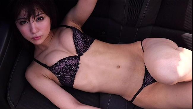 【おっぱい】ビリギャルの表紙モデルで一躍話題になったナイスプロポーションの石川恋ちゃんの画像がエロすぎる!【30枚】 21