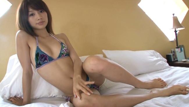 【おっぱい】スタイル抜群でテレビも多く出演しているファッションモデル・平有紀子さんのグラビア画像がエロすぎる!【30枚】 11