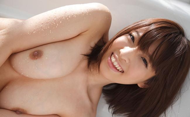 【おっぱい】Hカップの爆乳でエッチなことをして世の中の男性を魅了する・ましろ杏ちゃんの大きなおっぱい画像がエロすぎる!【30枚】 18