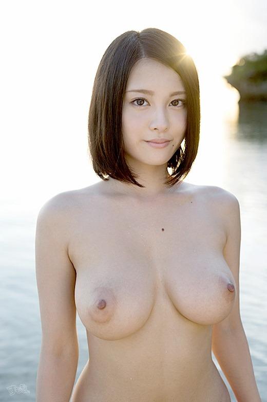 【おっぱい】恥らいながらも感じちゃっているHカップ完璧BODYの松岡ちなちゃんの大きなおっぱい画像がエロすぎる!【30枚】 27