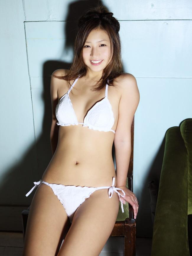 【おっぱい】Fカップのやわらかバストに、プリッとしたヒップが魅力的な佐山彩香ちゃんのおっぱい画像がエロすぎる!【30枚】