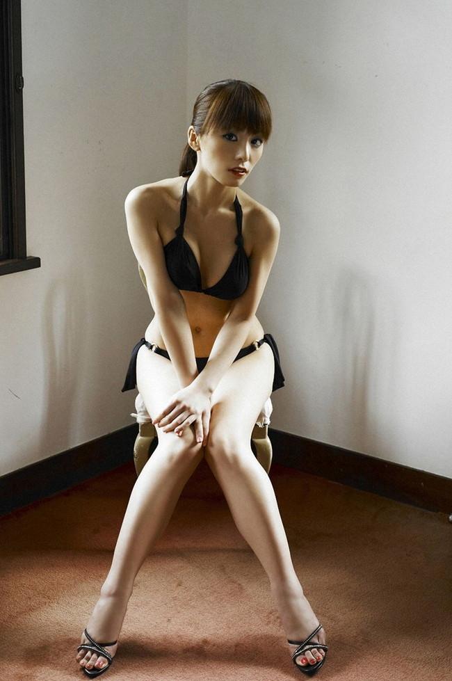 【おっぱい】「世界でもっとも美しいのは女性のカラダ」と語る美人料理研究家・森崎友紀さんのおっぱい画像がエロすぎる!【30枚】 08