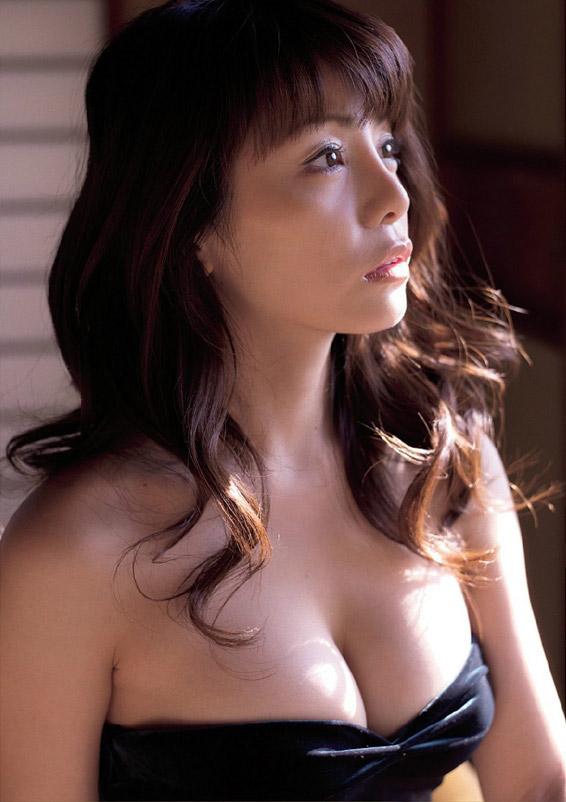 【おっぱい】「世界でもっとも美しいのは女性のカラダ」と語る美人料理研究家・森崎友紀さんのおっぱい画像がエロすぎる!【30枚】 18