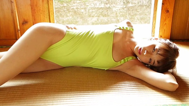 【おっぱい】隠れたGカップバストは迫力満点!ファッションモデルとして活躍中の岡田紗佳ちゃんのおっぱい画像がエロすぎる!【30枚】 21