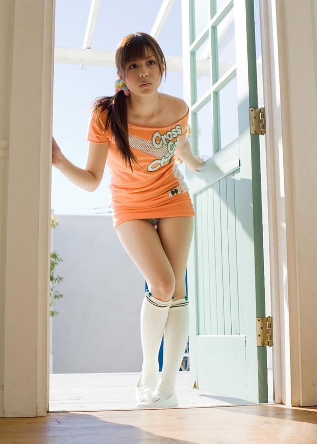 【おっぱい】ミニスカートを履いている状態でエッチな状態になっちゃっている女の子のおっぱい画像がエロすぎる!【30枚】 04