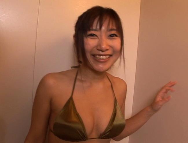 【おっぱい】グラビア・モデル・声優等幅広く活動中のEカップバスト・たかさきゆこちゃんのおっぱい画像がエロすぎる!【30枚】 21