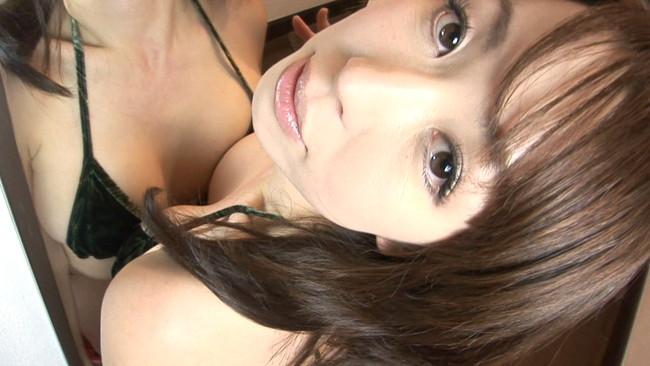 【おっぱい】安心の触り心地でイイ具合に熟してきた巨乳グラビアアイドルの姫神ゆりちゃんのおっぱい画像がエロすぎる!【30枚】 01