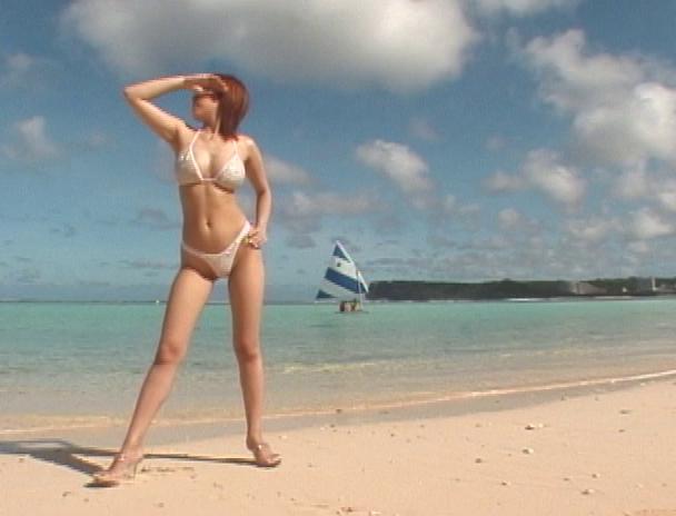【おっぱい】海水浴やプールでナンパしたら簡単に引っかかっちゃうビキニギャルのおっぱい画像がエロすぎる!【30枚】 20